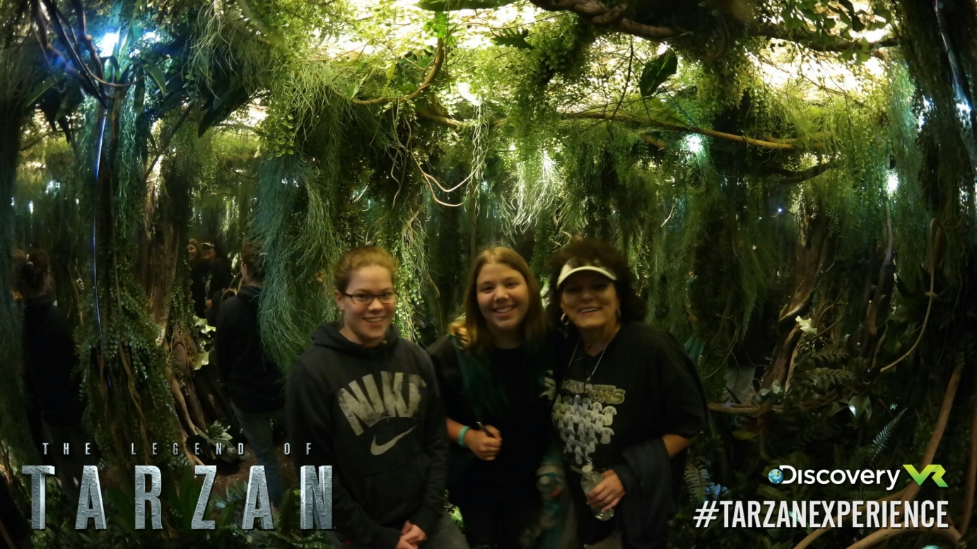 Group of girls in the Tarzan experience